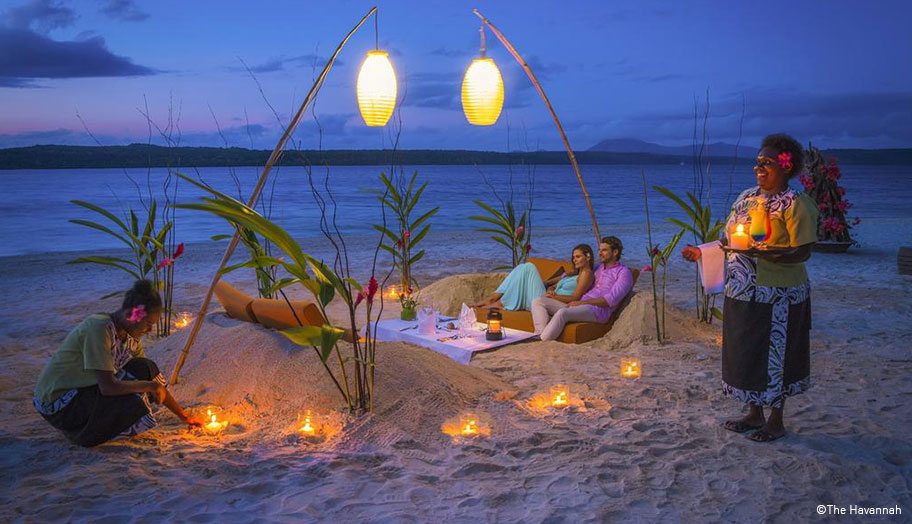 Vanuatu Honeymoon Candle Light Dinner Strand